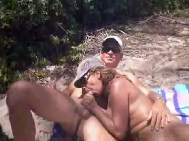 Very natural sex with new met couple