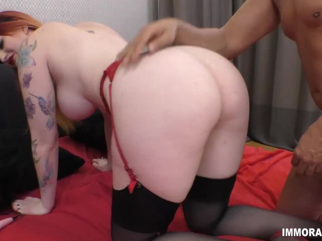 horny red babe having sex show on webcam