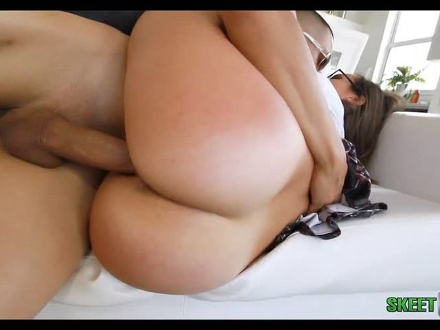 Super Sexy Young Girl With Giant Ass  Having Drill