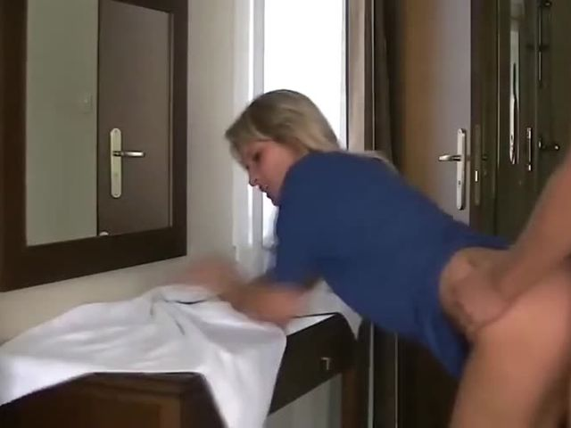 tight pussy blonde babe loves sex in the morning